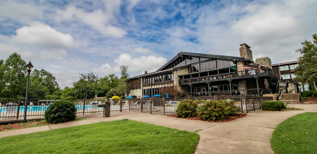 Shawnee Park Lodge Swimming Pool